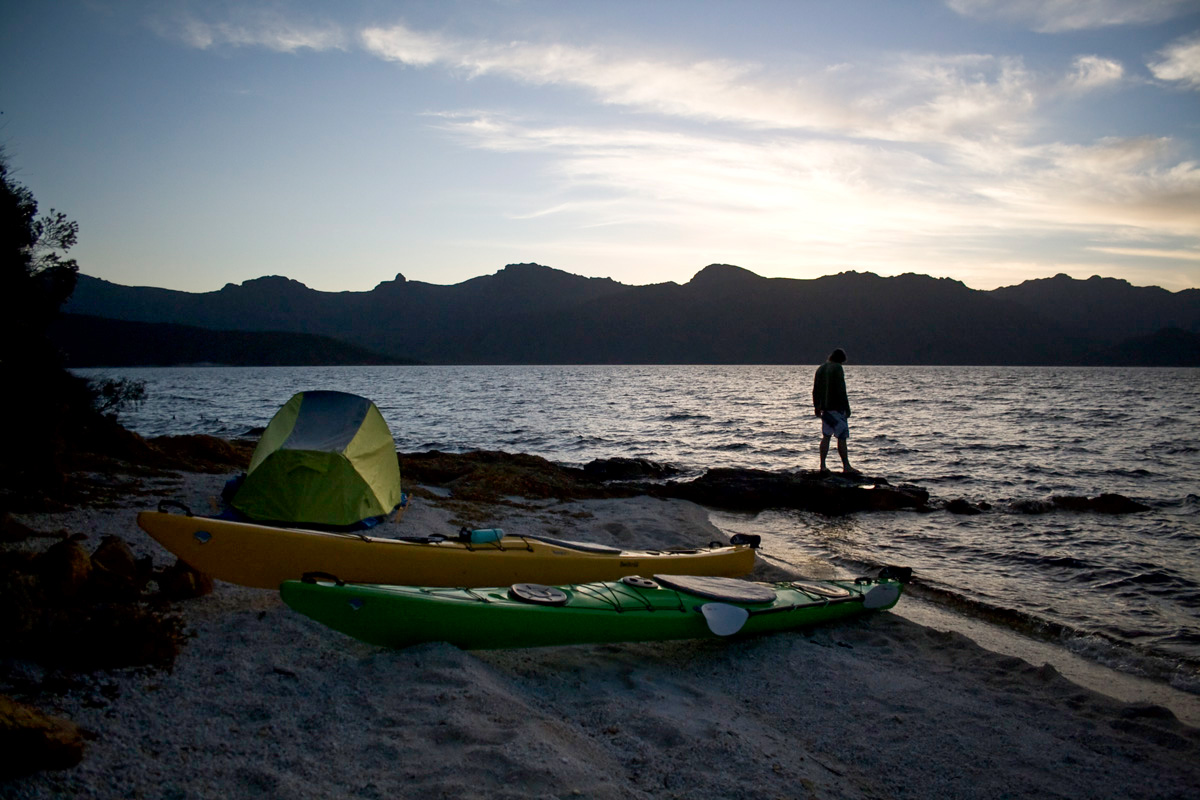 kayaking lake pedder beach camping